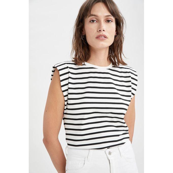 Jumia fashion, siainstyle, striped shirt, shoulder pad trend